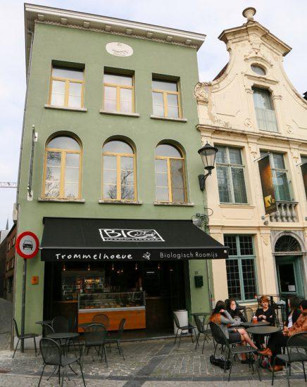 Hier koop je biologische ijs van de boerderij. stedentrip Mechelen, duurzaam, bewust en groen, hotspots en bezienswaardigheden
