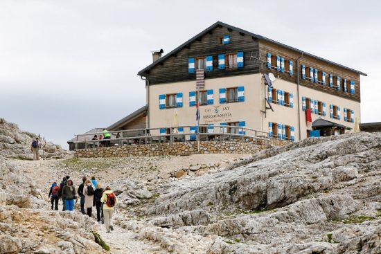 Wandelen naar Refugio Rosetta op het Pale plateau in Trentino, duurzaam reizen, rondreis Trentino, Italie, duurzame, groen, groene