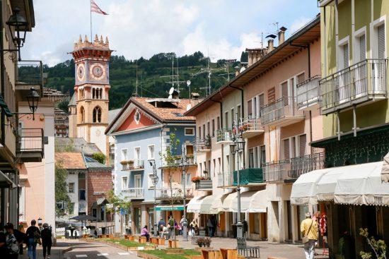 Cavalese is een van de 11 dorpen in Val di Fiemme, Trentino, duurzaam reizen, rondreis Trentino, Italie, duurzame, groen, groene