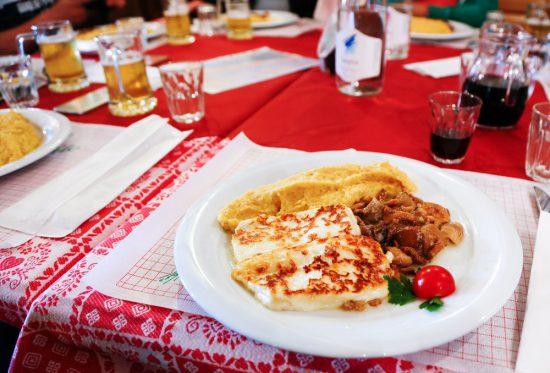 Lunchen bij Malga Venegia in Val Venegia (Trentino), duurzaam reizen, rondreis Trentino, Italie