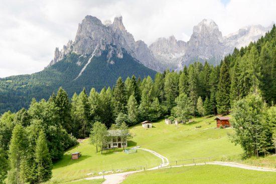 Uitzicht over de Dolomieten, Trentino, Italie. tips voor goede restaurants in Trentino, Italie
