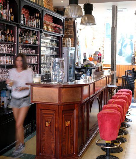 Koffie, kijken en kopen bij café Art Salon in Namen. duurzame stedentrip namen, Belgie, Namur, duurzame, weekendje weg, vintage, tweedehands, winkels