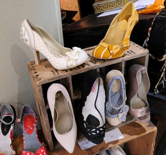 Vintage look maar spiksplinternieuwe schoenen bij Un p'tit coin de parapluie. duurzame stedentrip namen, Belgie, Namur, duurzame, weekendje weg, vintage, tweedehands, winkels