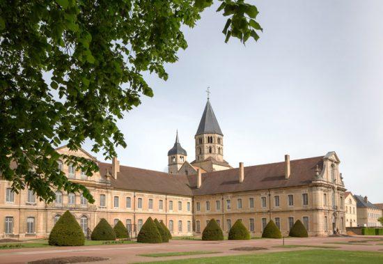 De abdij is een van de bezienswaardigheden van Cluny, Fietsen in de Bourgogne, Frankrijk