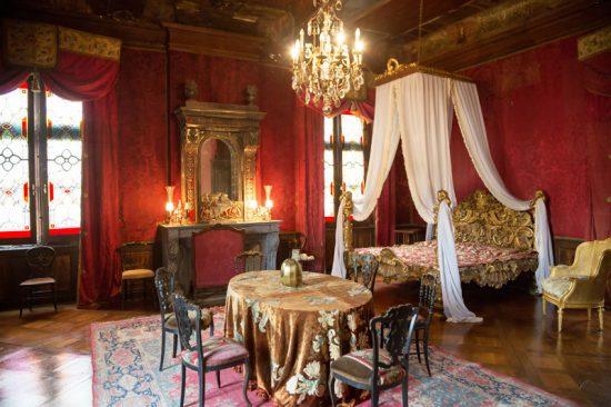 Fietsen in de Bourgogne betekent ook afstappen, bij het kasteel van Cormatin bijvoorbeeld, Fietsen in de Bourgogne, Frankrijk