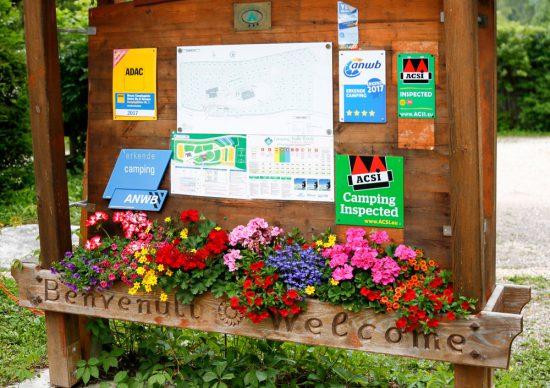 Een fleurig welkom bij camping Valleverde in trentino. Kamperen, Trentino, Italie, vakantie, camping, zomervakantie, duurzaam,