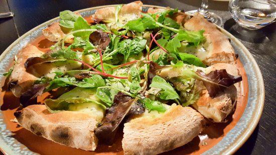 Tips voor restaurants in Trentino, Italie. Pizzeria Excelsior in Cavalese kies je voor een gourmet pizza op niveau.