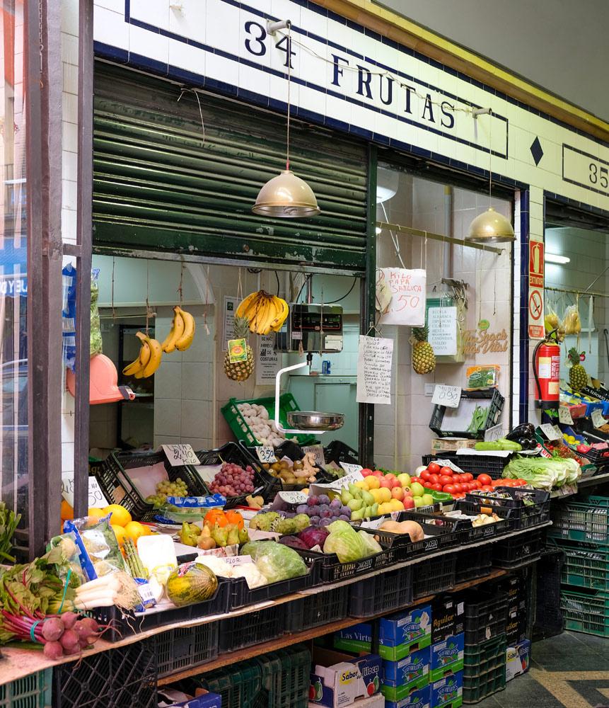 Stedentrip Sevilla, markt in de wijk Macarena, Sevilla
