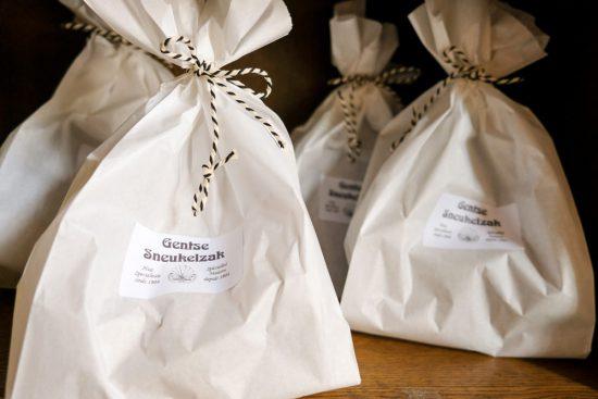 Sneukelen in Gent, stedentrip Belgie. Koop bij confiserie Temmerman een sneukelzakje vol snoep