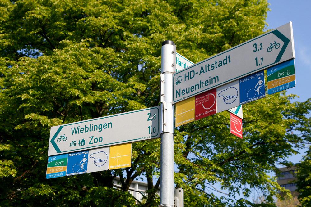 De Bergstrasse fietsroute staat ook op borden goed aangegeven. Fietsvakantie Die Bergstrass, Heidelberg, Duitsland, fiets, fietsroute, rondreis, standplaats