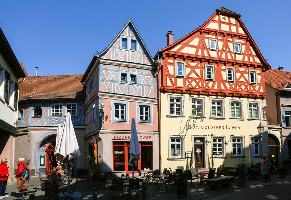 Het charmante stadje Landenburg ligt ook langs de Bergstrasse. Fietsvakantie Die Bergstrass, Heidelberg, Duitsland, fiets, fietsroute, rondreis, standplaats