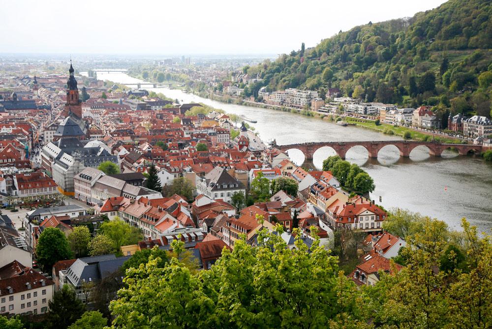 Heidelberg en de Neckar, mijn stadplaats voor een fietstocht langs de Bergstrasse. Fietsvakantie Die Bergstrass, Heidelberg, Duitsland, fiets, fietsroute, rondreis, standplaats