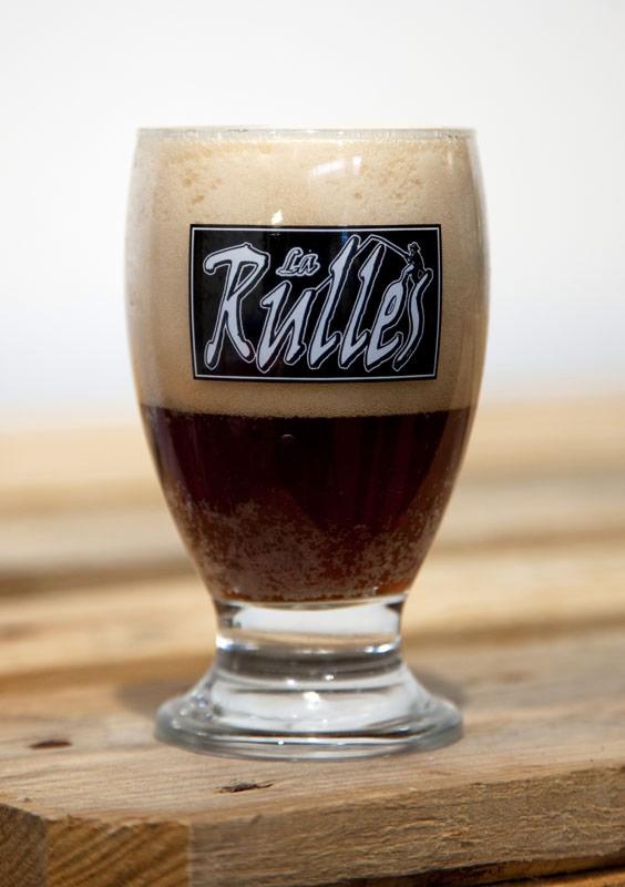 Biertje drinken bij brouwerij Rulles in la Gaume. Rondreis La Gaume, Wallonie, Belgie, hotspots, bezienswaardigheden, roadtrip