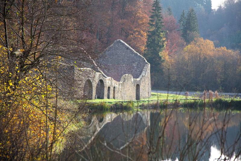 Ruïnes in Montauban, Wallonië. Rondreis La Gaume, Wallonie, Belgie, hotspots, bezienswaardigheden, roadtrip