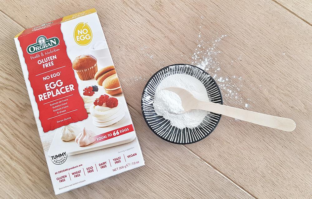 Egg Replacer van Orgran is een handige eiverganger voor het bakken van een vegan appeltaart.