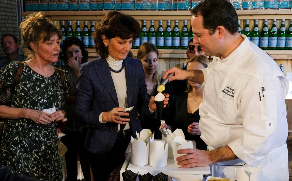 IJs met olijfolie in plaats van room. Met dank aan Franz Conde .Little Italy event in Amsterdam, De smaak van Italie