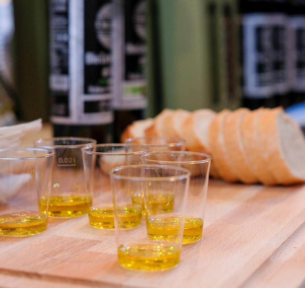 Italianen gebruiken 11,5 liter olijfolie p.p.p.j.. Little Italy event in Amsterdam, De smaak van Italie