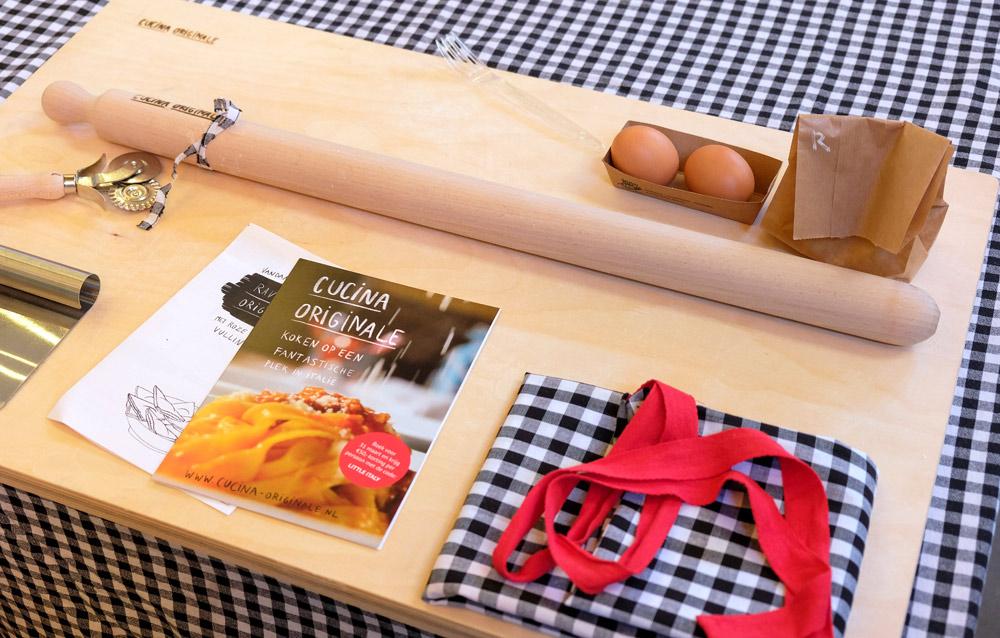 Wie de smaak te pakken heeft, boekt een weekje koken in Italië bij Cucina originale. Zelf pasta maken tijdens het Little Italy evenement in Amsterdam