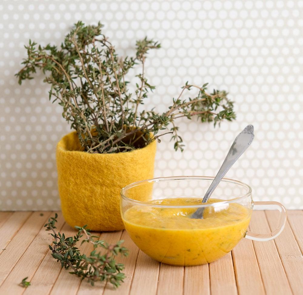 Pastasaus van gele paprika, paprikasaus, vegan, veganistisch, plantaardig, plant-based