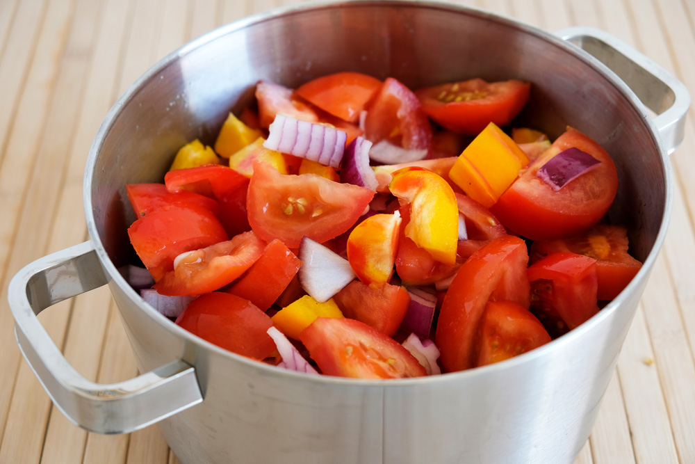 Ingrediënten voor zelfgemaakte ketchup. Vegan prep box van Boerschappen ism Home Made Chefs