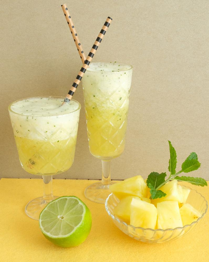 Bruisende mocktail met verse ananas