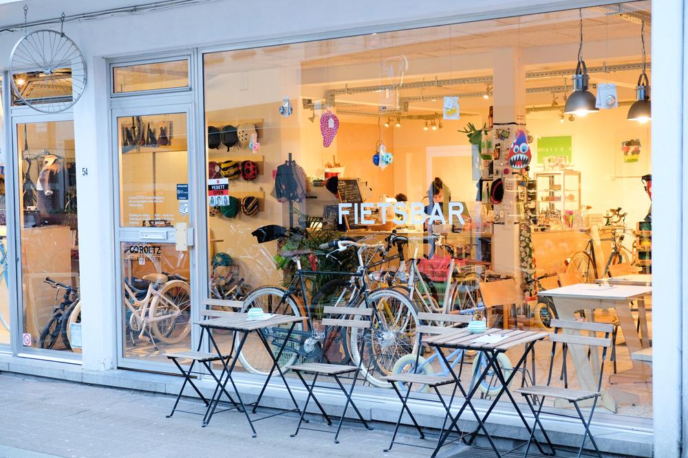 De Fietsbar, fietsreparatie-atelier en koffie-/lunchadres. Stedentrip Hasselt, Belgie, hotspots, wandelingen, winkels, winkelen, tips, wandelen