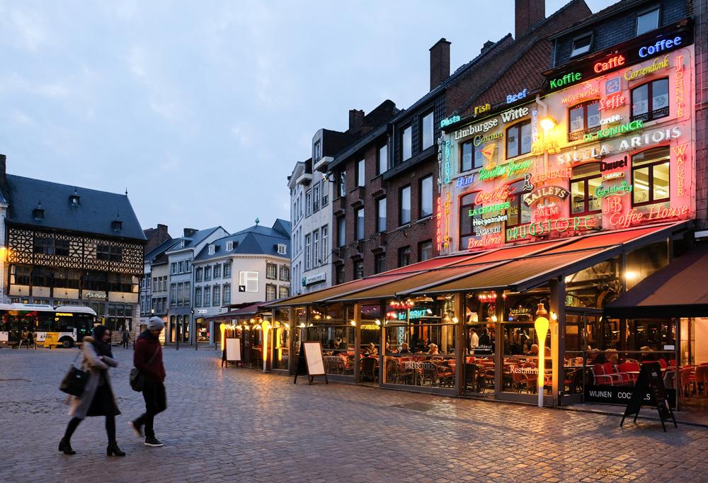 Veel weduwen hadden vroeger een café in Hasselt. Stedentrip Hasselt, Belgie, hotspots, wandelingen, winkels, winkelen, tips, wandelen