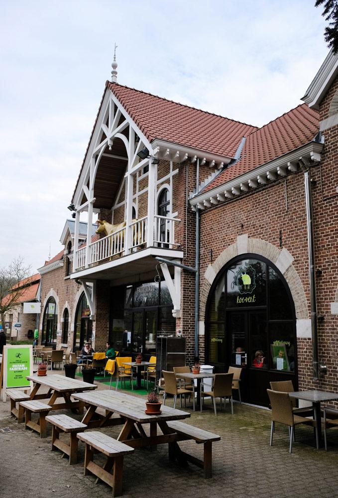 Zonnetje erbij? Dan kies je voor het terras van restaurant Koe-vertStedentrip Hasselt, Belgie, hotspots, wandelingen, winkels, winkelen, tips, wandelen