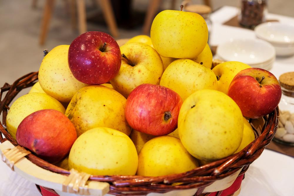 In de boomgaarden rond BorgoTufi Castel del Guidice groeien vele soorten appels