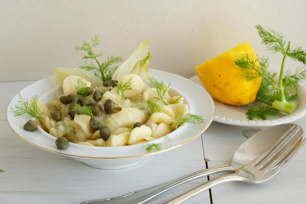 Lichte lunch: pasta met venkelsaus en kappertjes, recept, vegan, veganistisch