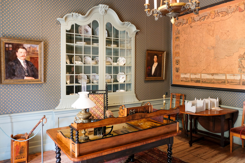 Een van de kamers in Slot Zuylen, Oud-Zuilen. Slot Zuylen in Oud-Zuilen
