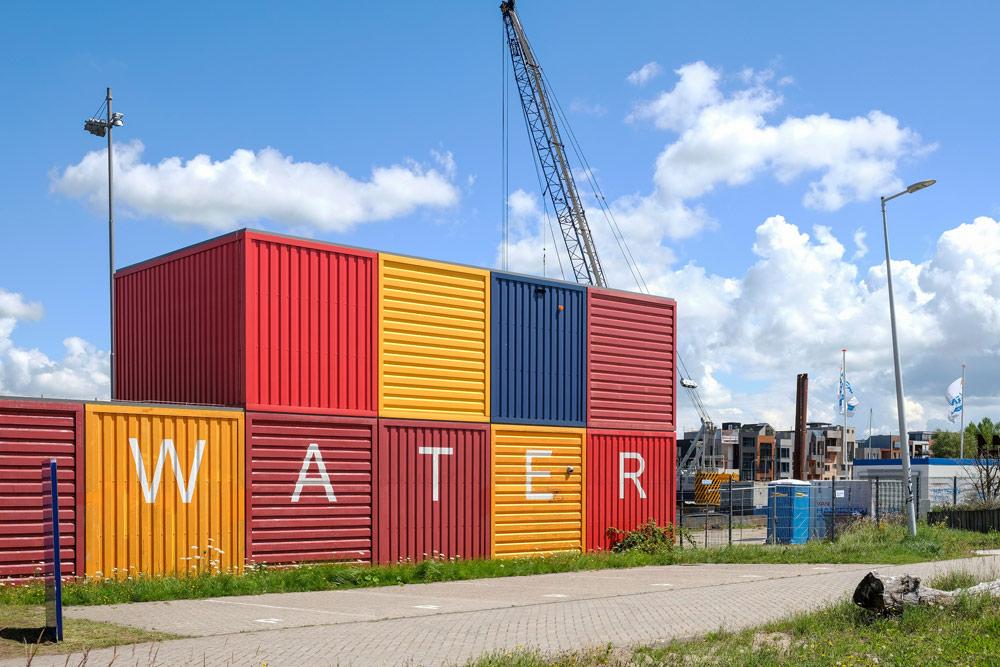 Leuk, die containers met WATER erop.. Wandelroute Amsterdam-Noord, wandelen, duurzaam